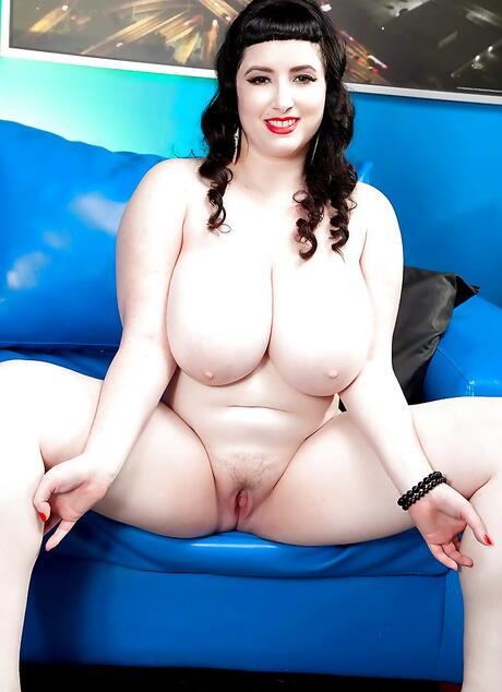 BBW Brunette Sex Pics