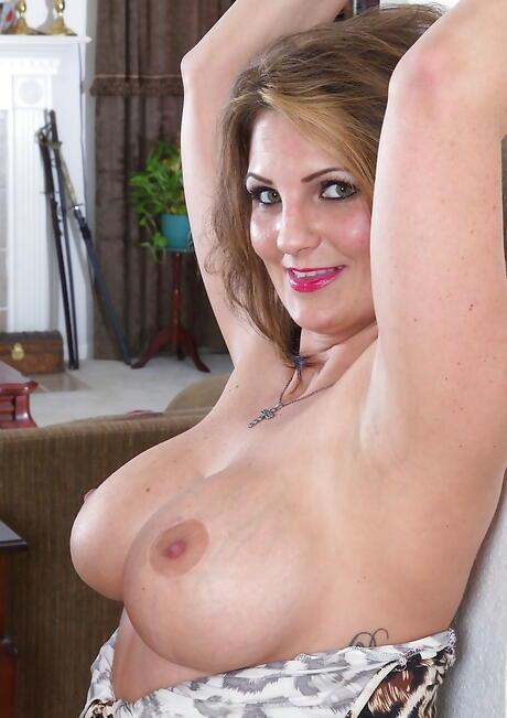 Busty BBW Sex Pics