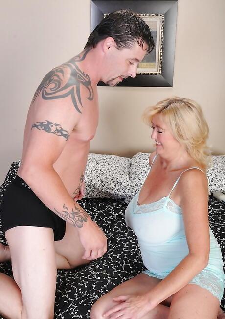 BBW Stepmom Sex Pics